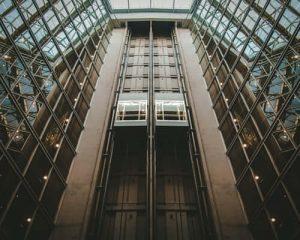 تصویر یک آسانسور مسافربر در سایت البرز آسانبر سناباد